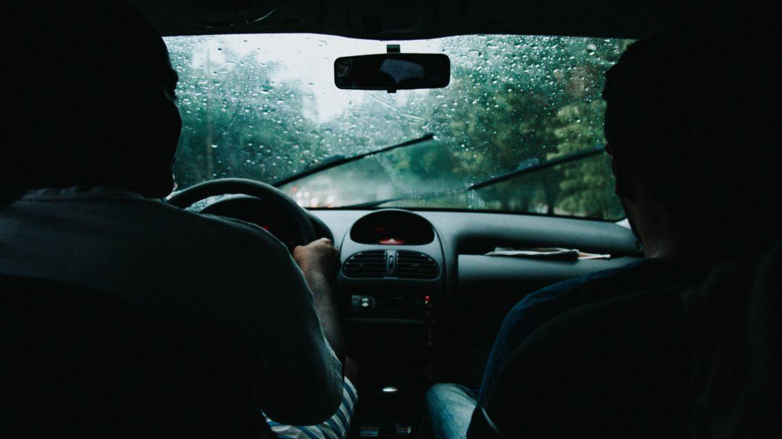 Odpowiednio dopasowana wycieraczka samochodowa